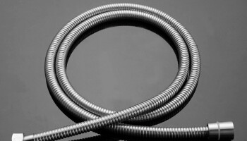 What Are The Characteristics of Stainless Steel Double Buckle Shower Hose